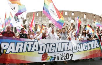 normal_gay-pride-roma05.jpg